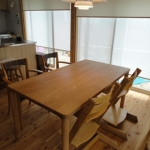 嫁入り家具日記。 木曽三岳のダイニングテーブル。