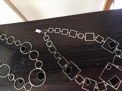 さまざまなアクセサリー展 春の装い ネックレス ブローチ 指輪 ブレスレット