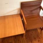 たためる椅子とたためるサイドテーブル